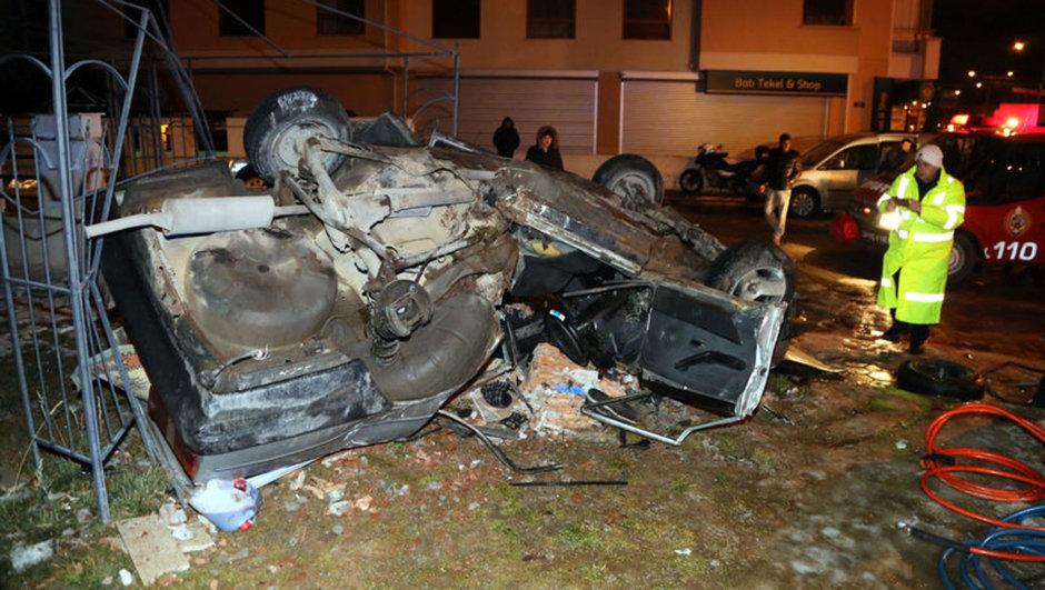Eskişehir'de otomobil takla attı