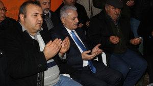 Başbakan Binali Yıldırım şehit polisin ailesini ve yaralıları ziyaret etti