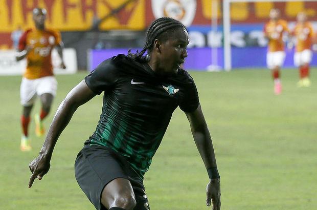 Hugo Rodallega QPR transfer