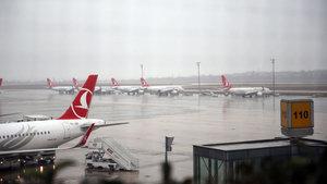 Atatürk Havalimanı kar altında
