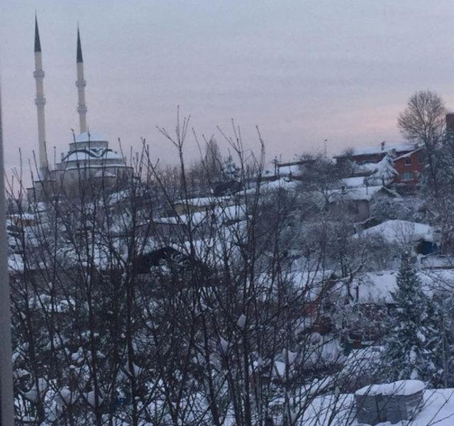 Ünlülerden kar fotoğrafları