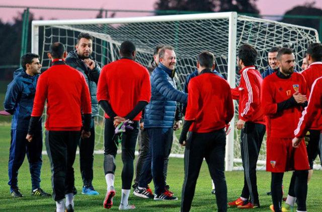Sergen Yalçın'ın takımına 4 Beşiktaşlı!