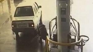 İzmir'de teröristlerin kaçacakları araca yakıt aldığı anlar kamerada