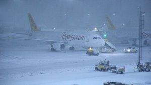 Bursa'da yolcu uçağı zorunlu iniş yaptı