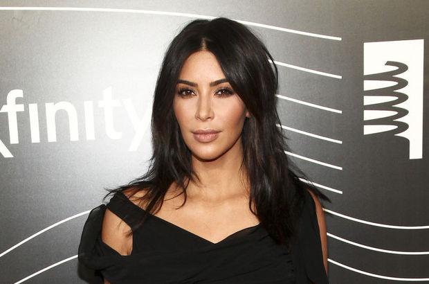 Sedef hastalığı Kim Kardashian'ın yüzüne sıçradı