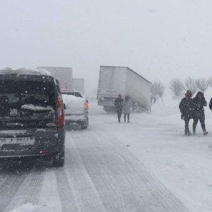 Bursa-İzmir yolu 13 saat sonra açıldı