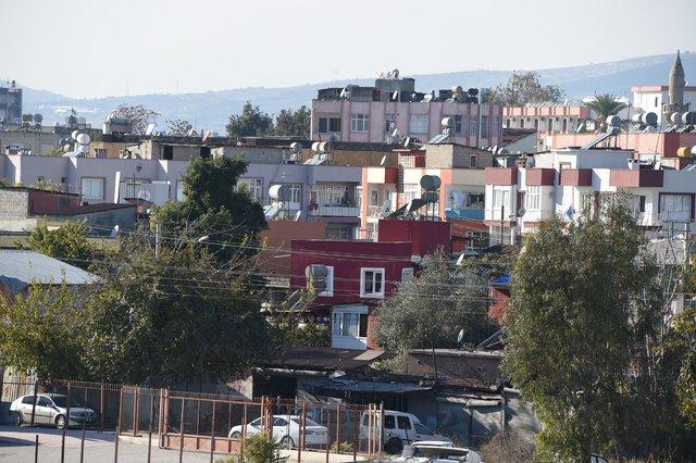 Tarsus'ta gecekonduda esrarengiz kazı 1.5 aydır bitmedi