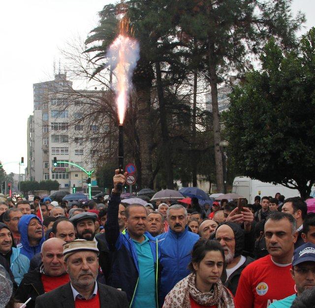"""Adana'da şehit anneleri """"Birlik"""" için koştu"""