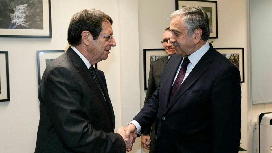 Kıbrıs Mustafa Akıncı Nikos Anastasiadis