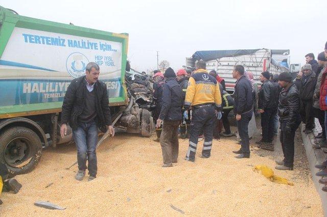 Şanlıurfa'daki TIR kazasında kopan kolu bulmak için zamanla yarıştılar