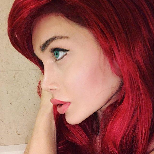 Canlı Barbie Pixee Fox hayalindeki çizgi karaktere adım adım ulaşmaya devam ediyor