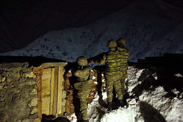 Son teknoloji ile donatılan Mehmetçik teröristlere göz açtırmıyor
