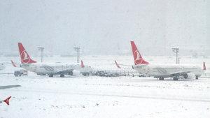Türk Hava Yolları iç hat seferlerine başladı