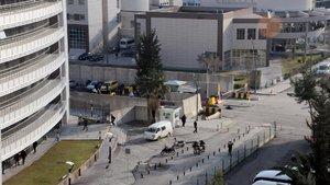 Gaziantep Emniyet Müdürlüğü önünde çatışma