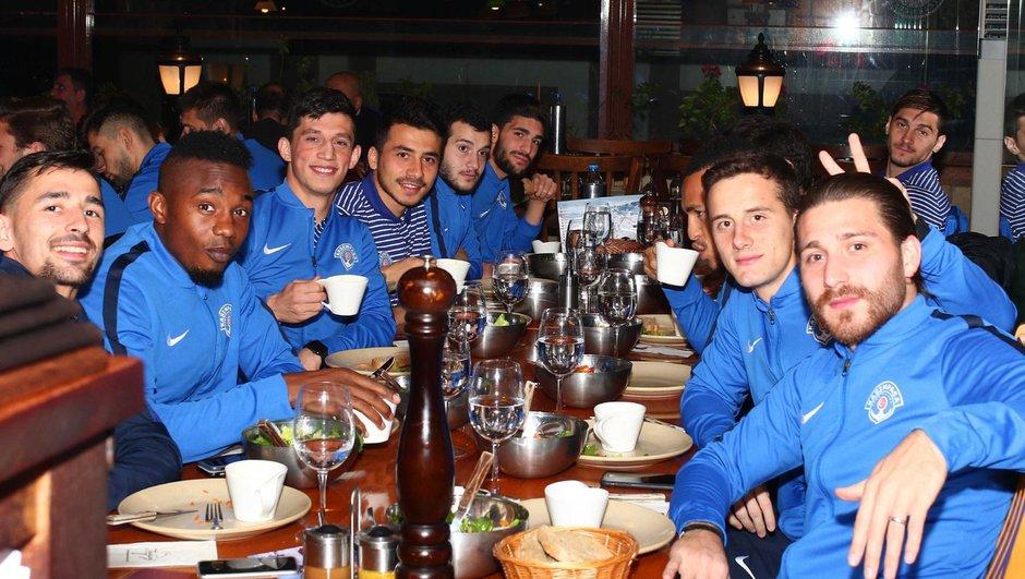Kasımpaşa yemek Antalya kamp