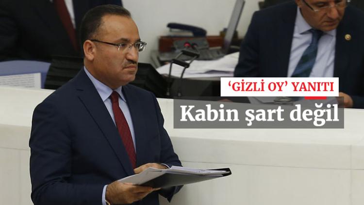 Adalet Bakanı Bekir Bozdağ, anayasa değişikliği oylamaları sırasında yaşanan 'gizli oy' tartışmalarıyla ilgili konuştu.