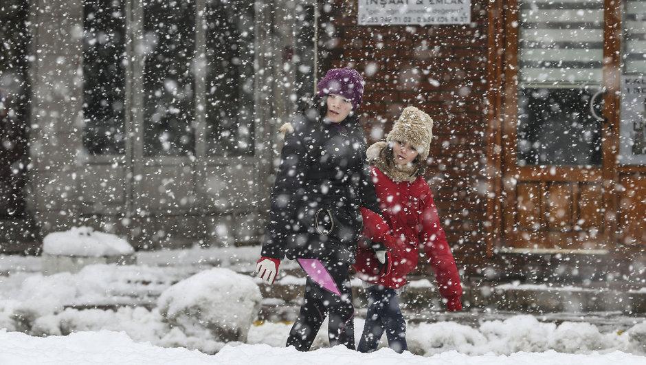 O ilde yarın okullara kar tatili!