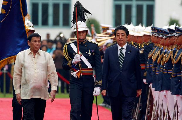 Duterte'ye ilk ziyaret Japonya Başbakanı'ndan!