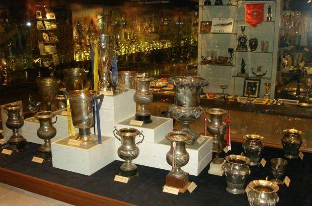 Fenerbahçe Halit Şahin şampiyonluk kupası