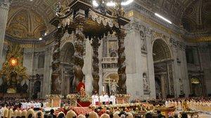 Almanya'da papazlar evlilik yasağına isyan etti