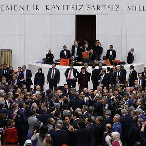 Partili Cumhurbaşkanlığı kabul edildi