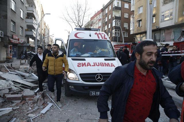 Zeytinburnu'da olay yerinden ilk kareler