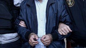 Düzce'de 60 öğrenciden 26'sı yakalandı