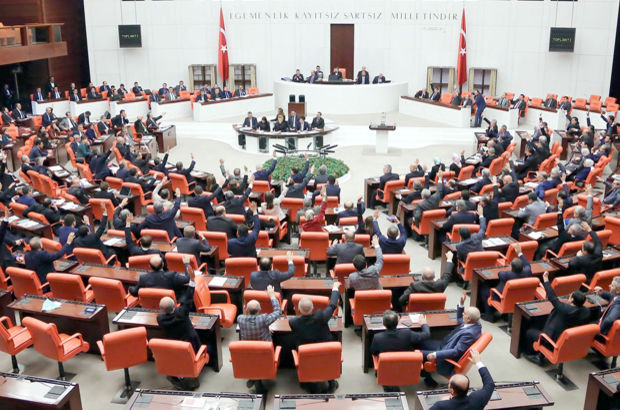 Anayasa teklifinde 10. madde kabul edildi