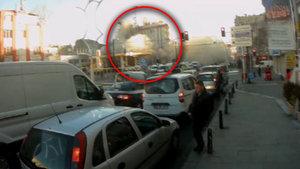 Zeytinburnu'daki bina 5 saniyede böyle çöktü!