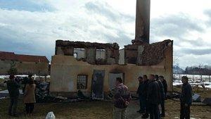 Kosova'da 300 yıllık tarihi cami kül oldu