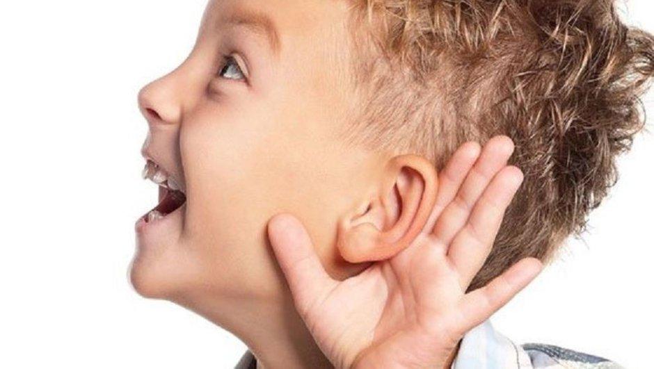 Kepçe kulak çocukların öz güvenini etkiliyor!