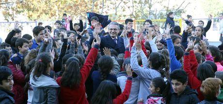 Karşıyaka Belediyesi'nden çocuklara jest