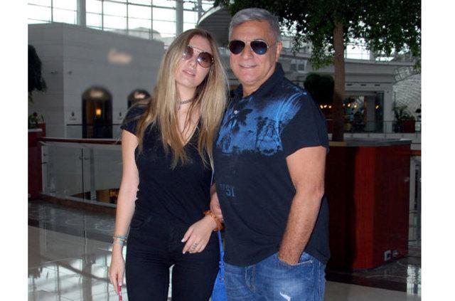 Mehmet Ali Erbil kızı Yasmin'i Londra'ya gönderdi