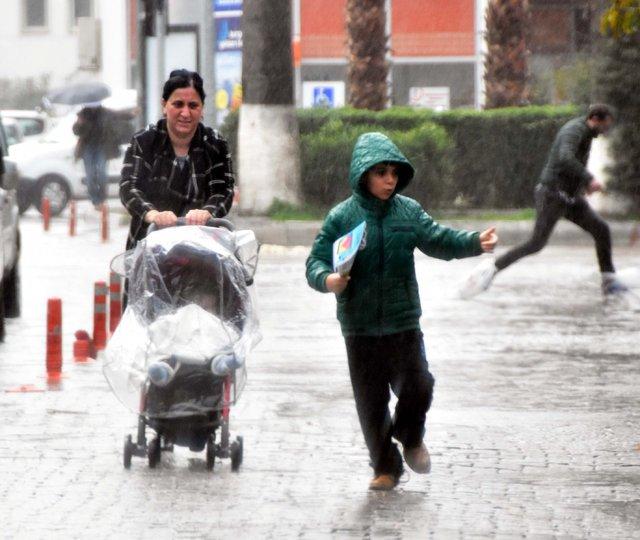 Bodrum'da önce lodos ardından yağmur