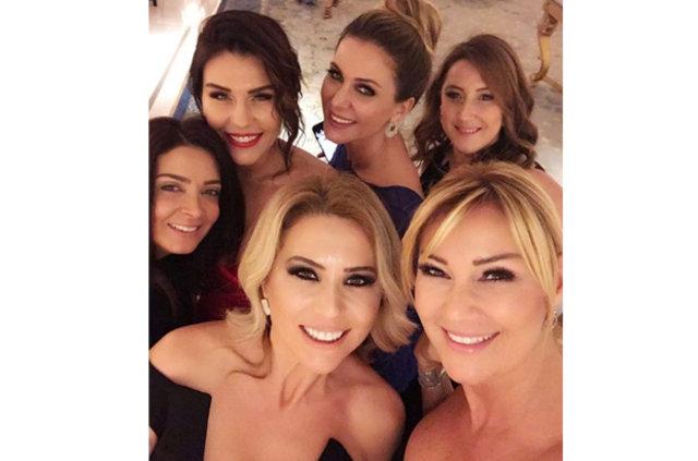 Pınar Altuğ'un dekoltesi takipçilerini ikiye böldü