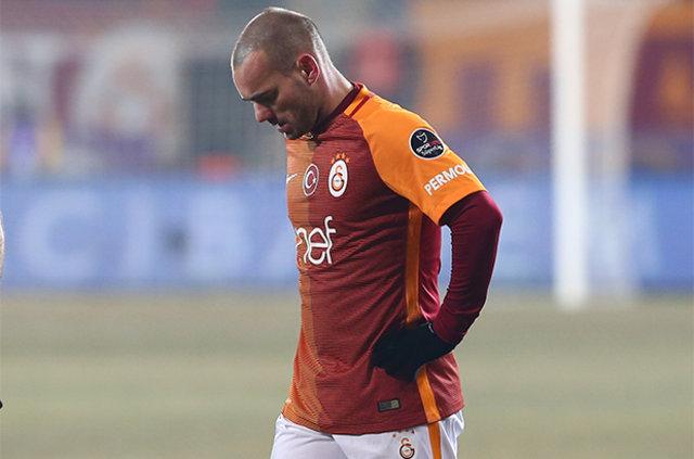 Galatasaray yönetiminden Sneijder'a ikinci ceza!