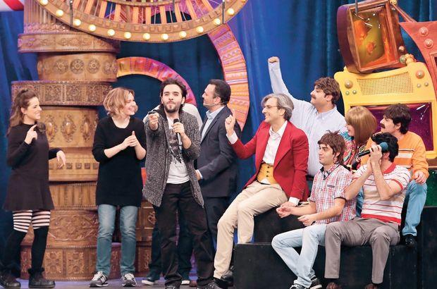 'Güldür Güldür Show' ekibi, seyircilerini kahkahalara boğdu