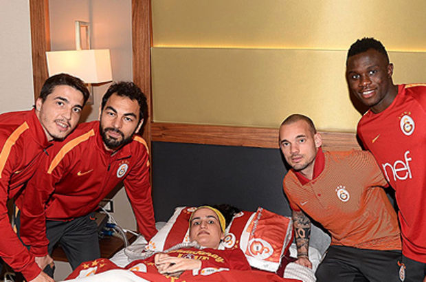 Nurçin Arlı, Galatasaraylı futbolcularla buluştu!