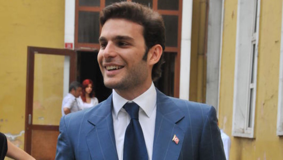 Mehmet Aslan attığı tweet nedeniyle gözaltına alındı