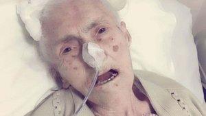 Sağlığına kavuşan 105 yaşındaki hasta taburcu edildi