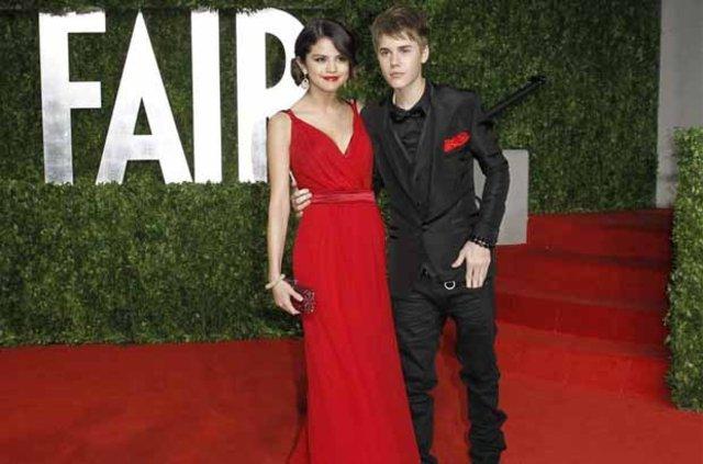 Justin Bieber: 'Selena reklam peşinde!'