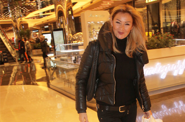 Pınar Altuğ, toplantı telaşına düştü