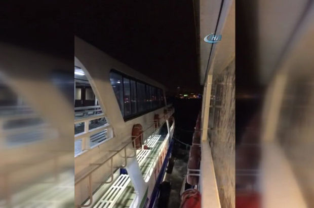 Tekne arızalanınca bir saat denizin ortasında mahsur kaldılar
