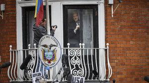 Obama Manning'i affetti, gözler Wikileaks'in kurucusuna döndü!