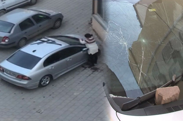 Adana'da kocasına kızan kadın, öfkesini otomobilden çıkardı