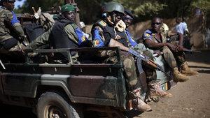 Mali'de askeri kampa bombalı saldırı: 35 ölü