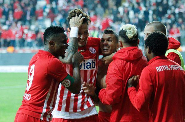 Antalyaspor: 4 - Kemerspor 2003: 1