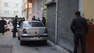 Gaziantep'te 2 kişiyi rehin alan zanlı teslim oldu