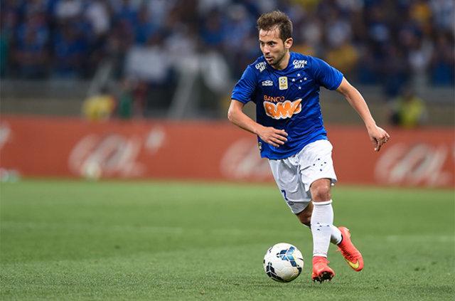 Fenerbahçe rotayı Al Ahli'den Everton Riberio'ya çevirdi
