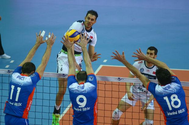 Paris Volley: 1 - Arkas Spor: 3